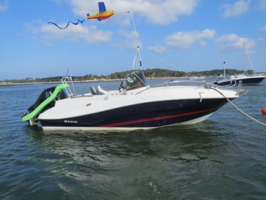 Motorboat QUICK SILVER COMMANDER 635 for hire