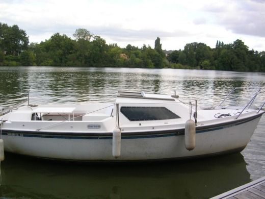 Charter motorboat in Nantes
