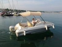 Motorboat Beneteau Flyer 550 Sundeck for rental