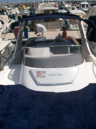 Motorboat Mano Marine EFB peer-to-peer