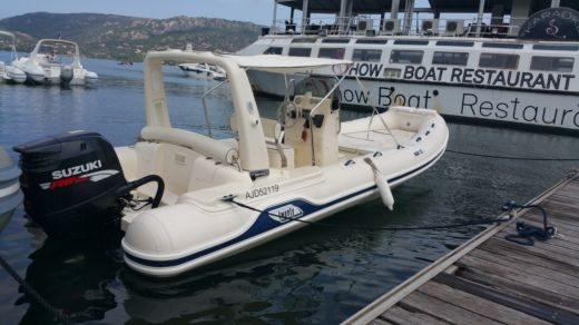 Mar-co Marine Twenty Power in Porto-Vecchio for hire