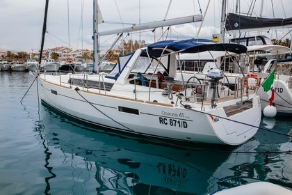 Hire Sailboat BENETEAU OCEANIS 41 Furnari