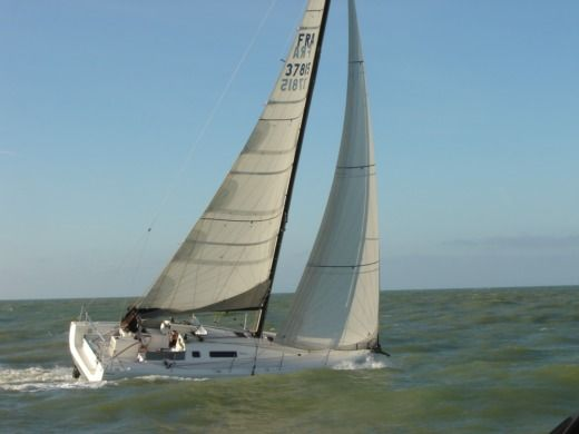 Charter sailboat in Deauville peer-to-peer