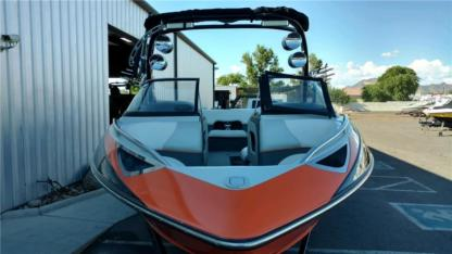 Charter Motorboat Malibu Vlx 21 Fountain Valley
