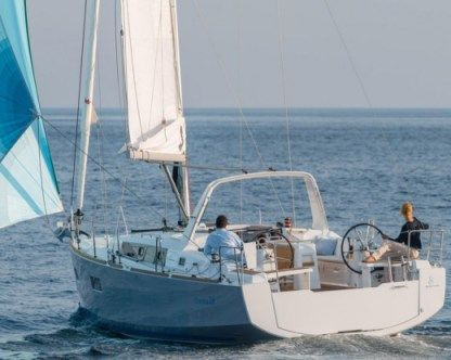 Rental Sailboat Beneteau Oceanis 38 (2014) (Guadeloupe) Pointe-a-Pitre