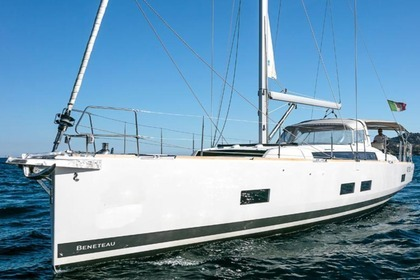 Hire Sailboat BENETEAU OCEANIS 55 Portisco