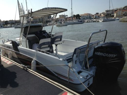 Motorboat BENETEAU FLYER 6.6 for hire