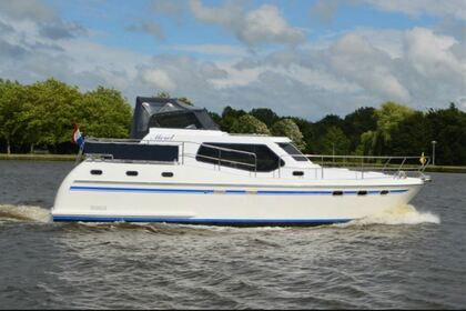 Hire Motorboat Tyvano 38 Woubrugge
