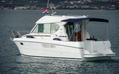 Charter Motorboat Jeanneau Merry Fisher 805 Split
