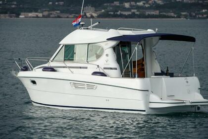 Hire Motorboat JEANNEAU Merry Fisher 805 Split