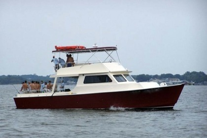 Charter Motorboat Bay Built 52 Chesapeake