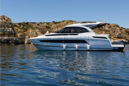 Hire Motorboat Jeanneau LEADER 33 Portimão