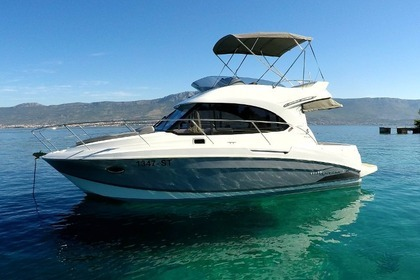 Hire Motorboat Beneteau Antares 30 Fly Split