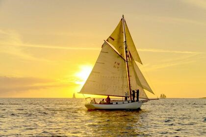 Rental Sailboat Friendship Sloop 30 Salem
