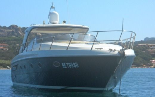 Motorboat Blu Martin Blu Martin 46 Sun Top for hire