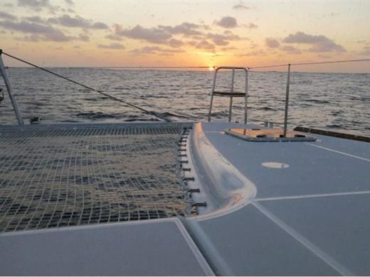 Charter catamaran in Minorque peer-to-peer