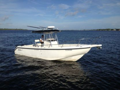 Charter Motorboat Boston Whaler Outrage 260 Arzon
