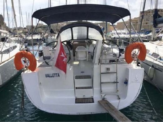 Beneteau Oceanis 40 in Malte peer-to-peer