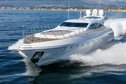 Location Yacht MANGUSTA 108 Cannes