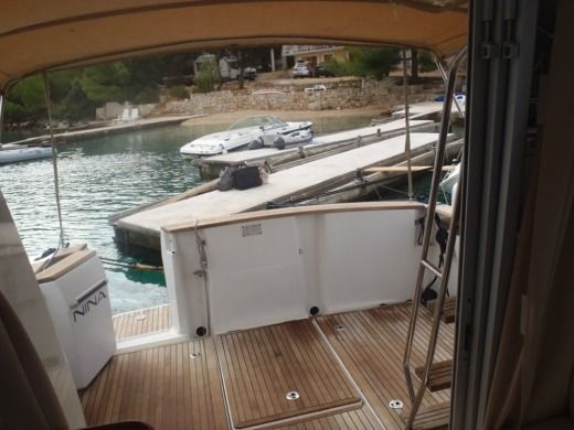 Motorboat Antares 10,80 Fly for rental