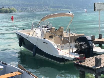 Rental Motorboat Quicksilver Open 675 200 Cv Annecy
