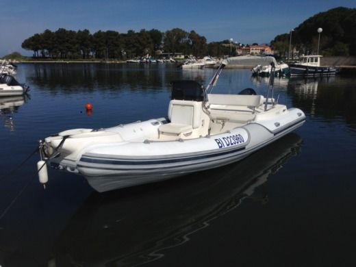 RIB Motonautica Vesuviana 780 Confort for hire