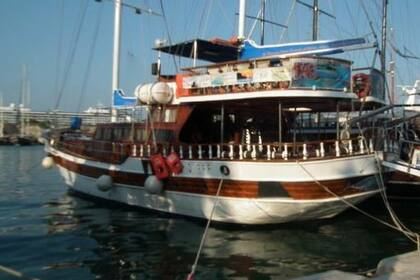 Hire Motorboat Ec Harbor Super Sport Ocean Kos