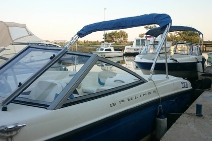 Rental Motorboat BAYLINER 175 Nin