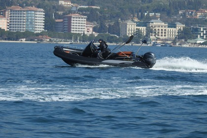Hire RIB Grand 650 Black Makarska