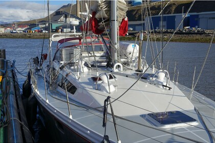 Hire Sailboat Ovni 445 Longyearbyen