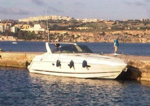 CRANCHI 40 in Malte for hire