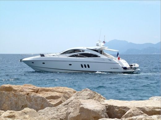 SUNSEEKER Predator in Cannes for hire