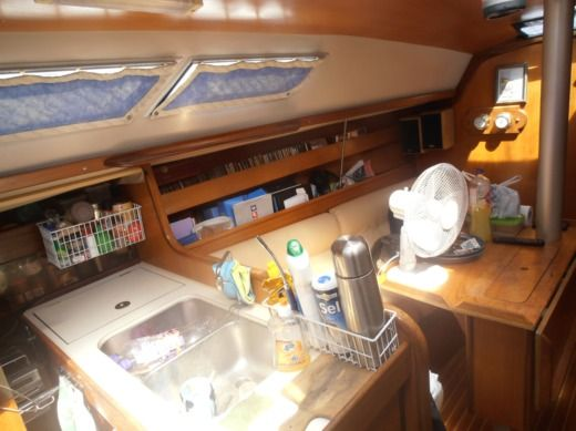 Sailboat BENETEAU FIRST 305 for hire