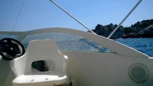Beneteau Flyer Viva in Marseille for hire