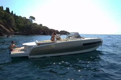 Hire Motorboat Invictus 280GT Monaco