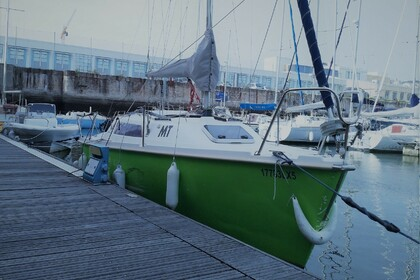 Hire Sailboat Jeanneau Sun Way 21 Lisbon