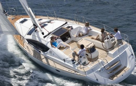 Sailboat Jeanneau 39 for hire