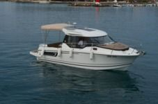 Motorboat Jeanneau Merry Fisher 795 for hire