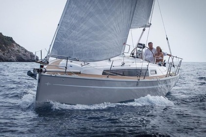 Rental Sailboat BAVARIA 33 CRUISER Split