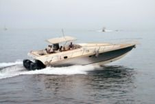 Motorboat Magnum Chevere 55 for hire
