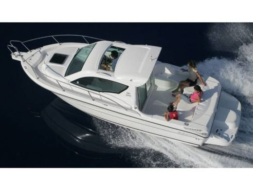 Motorboat Karnic 2265 for rental