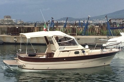 Rental Motorboat FRATELLI APREA 750 Sorrento