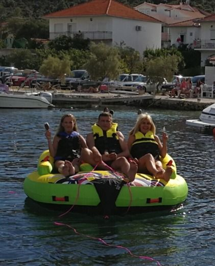 Inmark Marine Sunsport 845 in Trogir for hire
