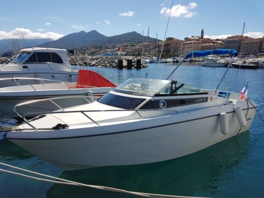 Rental motorboat in Propriano