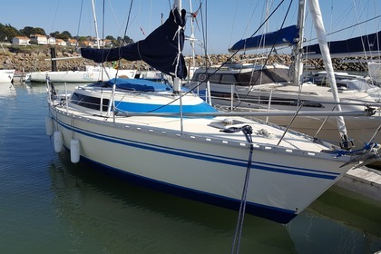 Rental Sailboat CN AZUREEN CHALLENGER SUPER BRAVO Pornic