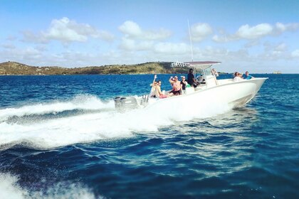 Hire Motorboat Cape Horn 32 centre console Charlotte Amalie