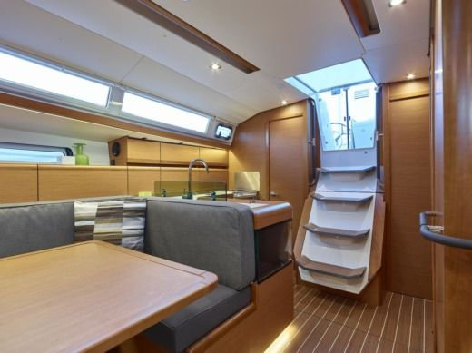 Jeanneau Sun Odyssey 419 in Kaštel Gomilica for rental