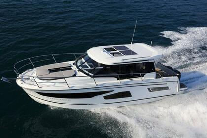 Hire Motorboat Jeanneau Merry Fisher 1095 Zadar