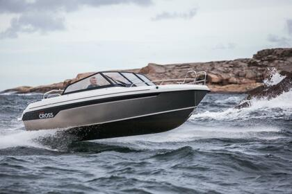 Hire Motorboat Yamarin Cross 62 BR Turku