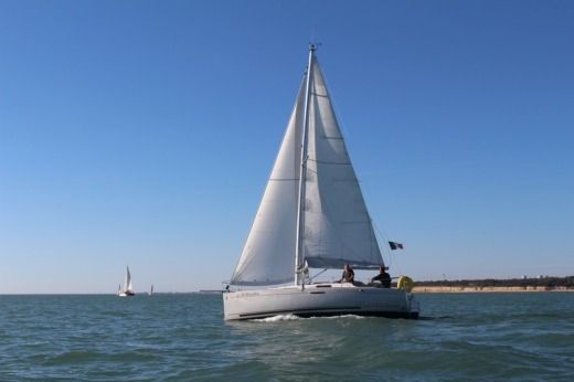 Sailboat Beneteau First 25.7